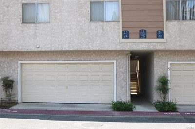 Pomona Condo/Townhouse For Sale: 2410 N Towne Avenue #24