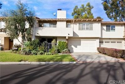 Newport Beach Condo/Townhouse For Sale: 558 Vista Flora
