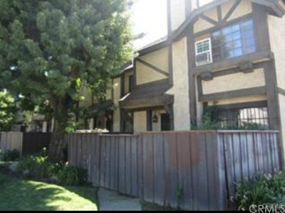 North Hills Condo/Townhouse For Sale: 14924 Nordhoff Street #7