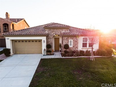 Riverside Single Family Home For Sale: 15693 S Cliff Court