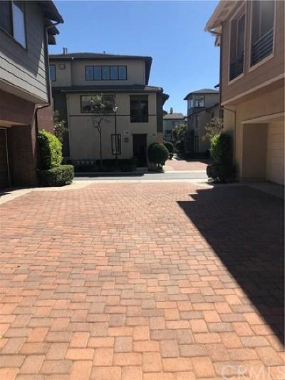 Rancho Cucamonga Condo/Townhouse For Sale: 12474 Benton Drive #1