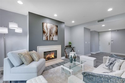 Studio City Condo/Townhouse For Sale: 11115 Acama Street #PH5