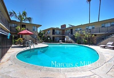 Multi Family Home For Sale: 855 W Huntington Drive