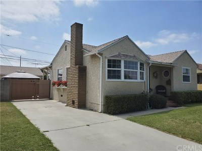 Lakewood Single Family Home For Sale: 5615 Pepperwood Avenue