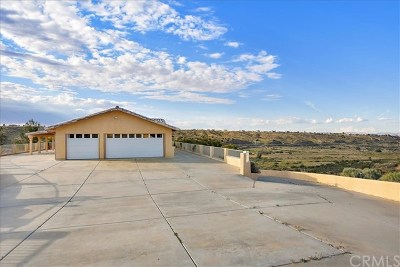 Hesperia Single Family Home For Sale: 14455 Summit Valley Road