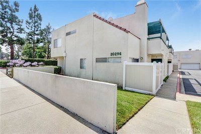 Covina Condo/Townhouse For Sale: 20296 E Arrow #B