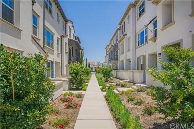 Chino Hills Condo/Townhouse For Sale: 15910 Ellington Way