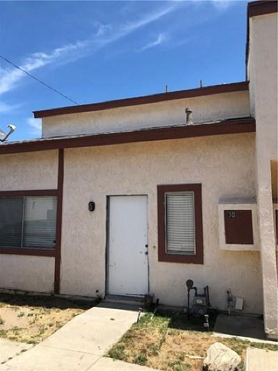 Rialto Condo/Townhouse For Sale: 349 N Eucalyptus Avenue #30