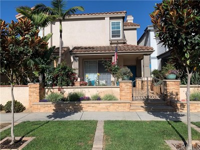 Huntington Beach Single Family Home For Sale: 615 Lake Street