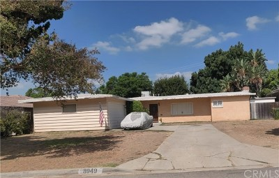 Single Family Home For Sale: 8949 Valley View Avenue