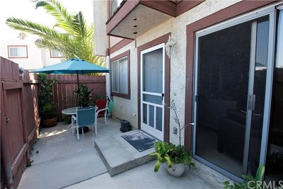 Whittier Condo/Townhouse For Sale: 13840 Leffingwell Road #B