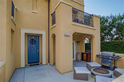 Santa Fe Springs Condo/Townhouse For Sale: 10404 Orchid Way