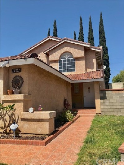 Fontana Single Family Home For Sale: 11321 Oak Knoll Drive