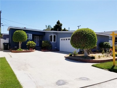 Lakewood Single Family Home For Sale: 6124 Michelson Street