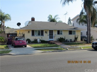 Long Beach Single Family Home For Sale: 6436 E Fairbrook Street