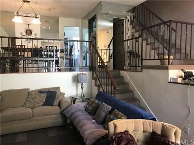 Winnetka Condo/Townhouse For Sale: 20224 Sherman Way #73