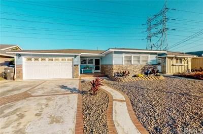 Long Beach Single Family Home For Sale: 2132 Stevely Avenue