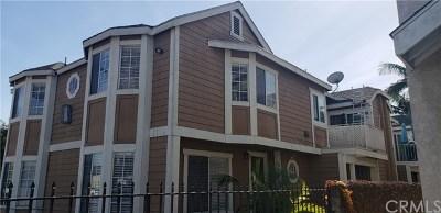 Downey Condo/Townhouse For Sale: 9228 Elm Vista Drive #A