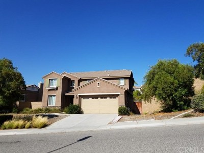 Lake Elsinore Single Family Home Active Under Contract: 40961 Waterford Street