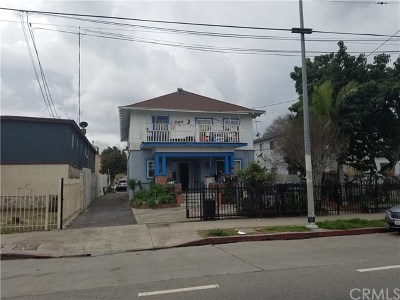 Los Angeles Multi Family Home For Sale: 458 E Adams Boulevard