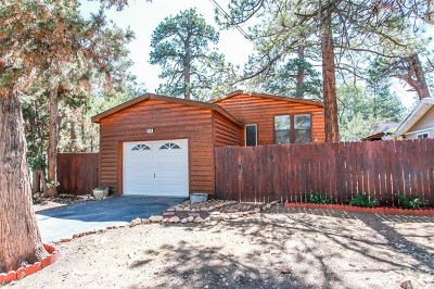 Blue Jay, Cedarpines Park, Crestline, Lake Arrowhead, Running Springs Area, Arrowbear, Big Bear, Rimforest, Cedar Glen, Wrightwood Single Family Home For Sale: 458 Maple Ln