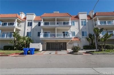 Oceanside Condo/Townhouse For Sale: 1006 S Myers Street #D