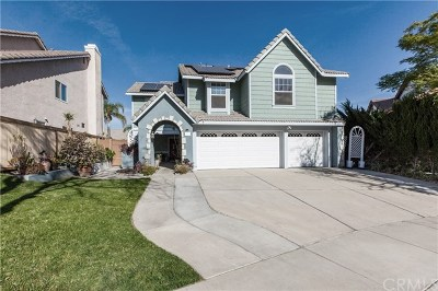 Corona Single Family Home For Sale: 2721 Camellia Court