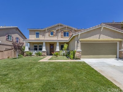 Lake Elsinore Single Family Home For Sale: 19680 Berrywood Drive