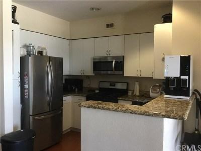 Anaheim Condo/Townhouse For Sale: 1801 E Katella Avenue #4021