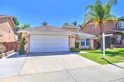 Corona Single Family Home For Sale: 8819 Dahlia Drive