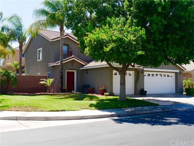 Corona Single Family Home For Sale: 848 Bridgewood Street