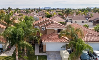 Perris Single Family Home For Sale: 351 Flicker Way