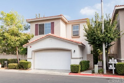 Placentia Condo/Townhouse For Sale: 328 Cron Way