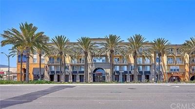 Anaheim Condo/Townhouse For Sale: 1801 E Katella Avenue #3165