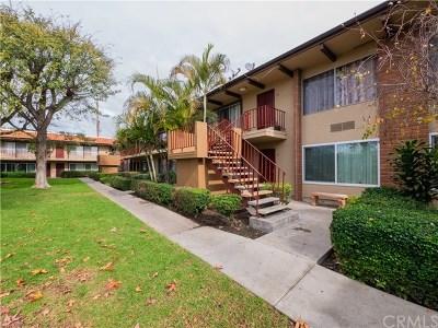 Condo/Townhouse For Sale: 1400 W Warner Avenue #74