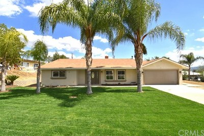 Lake Elsinore Single Family Home For Sale: 216 Matich Street