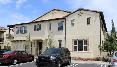 Lake Forest Condo/Townhouse For Sale: 402 El Paseo