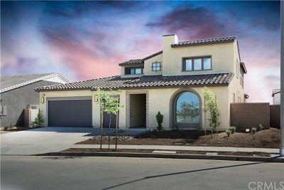 Menifee Single Family Home For Sale: 31192 Campolina Wy.