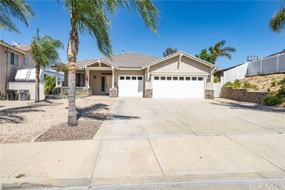 Corona Single Family Home For Sale: 13914 Palomino Creek Drive