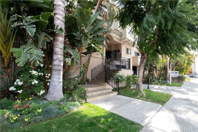 Van Nuys Condo/Townhouse For Sale: 7124 Woodman Avenue #3
