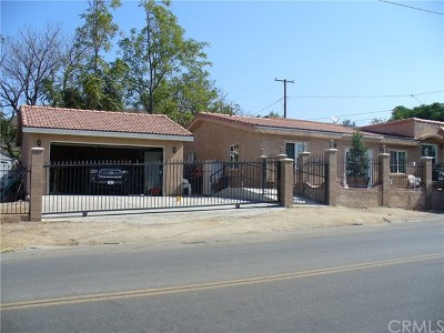 Lake Elsinore Single Family Home For Sale: 105 E Flint