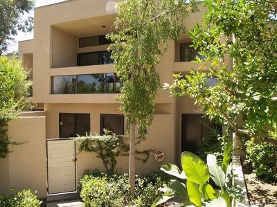 Palm Springs Condo/Townhouse For Sale: 818 N Village N