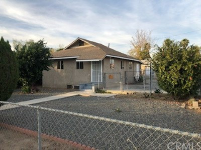 Perris Single Family Home Active Under Contract: 318 W 10th Street