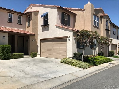 Perris Condo/Townhouse For Sale: 3384 Evening Mist Lane