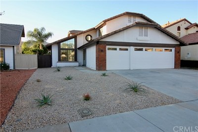 Moreno Valley Single Family Home For Sale: 10661 Ridgefield