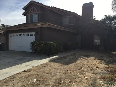 Perris Single Family Home For Sale: 585 Orca Avenue