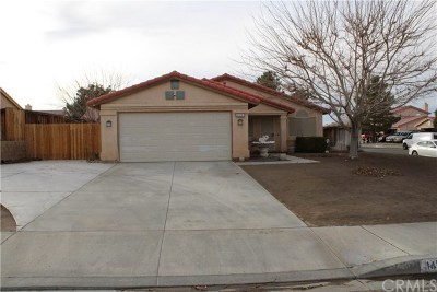 Adelanto Single Family Home For Sale: 14378 Ivy Street
