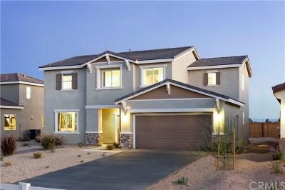 Rosamond Single Family Home For Sale: 3643 Mount Whiteney Avenue