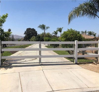 Riverside Single Family Home Active Under Contract: 17937 Canyonwood Drive