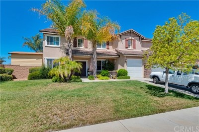 Menifee Single Family Home For Sale: 32873 Lamtarra